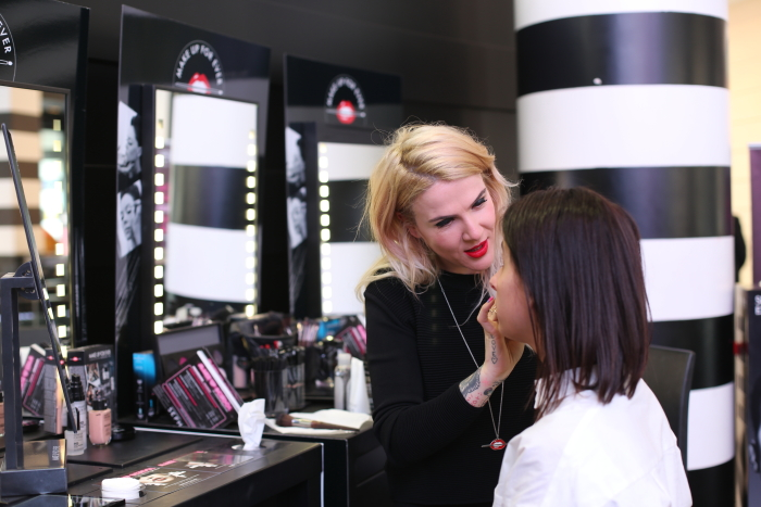 make-up-artist-make-up-forever-sephora