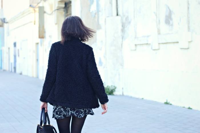 style-in-lima-asos-black-coatigan