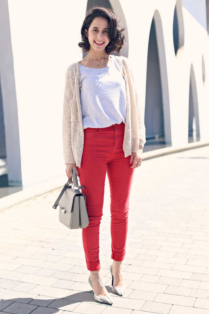 Style-In-Lima-Pantalon-Rojo-Cintura-Alta-Zara-Top-Twist-and-Tango-Chaqueta-Mi-and-Co-Bolso-Gris-Bimba-y-Lola