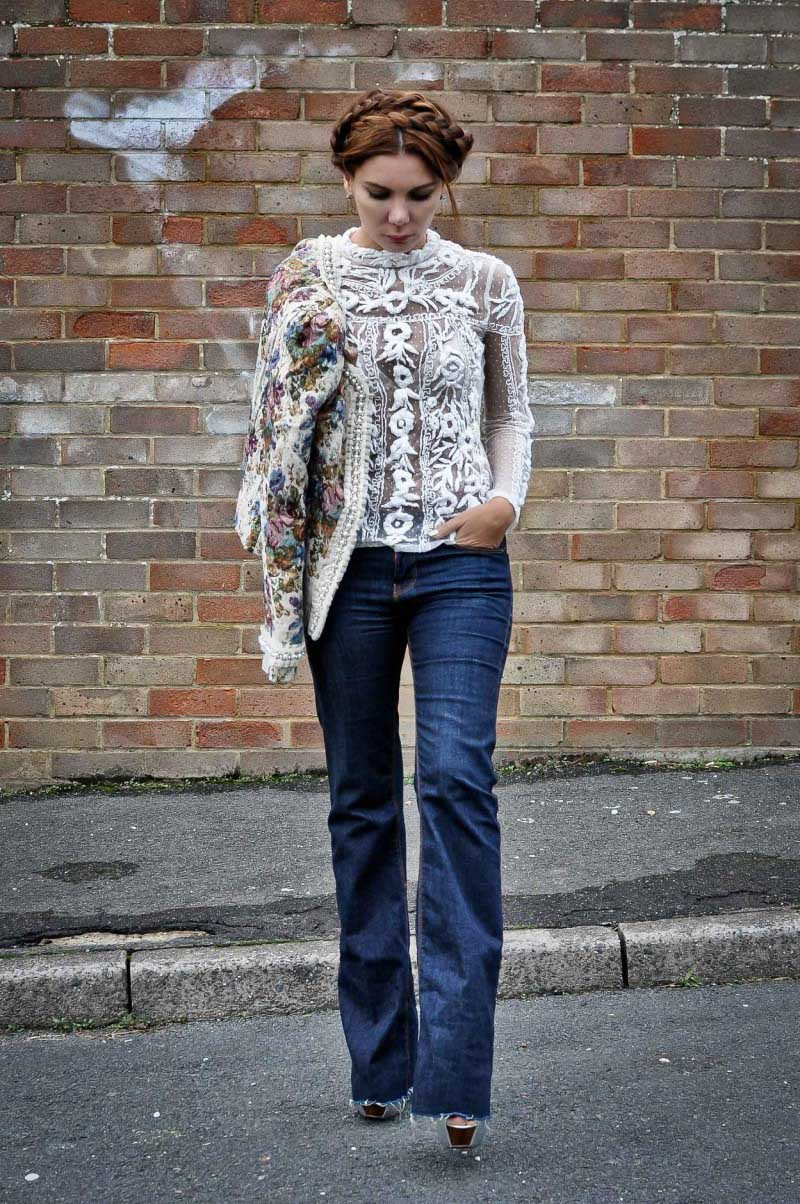 simona-mar-fashion-blogger-street-style-boohoo-tapestry-jacket-pearls-zara-embroidered-swiss-dot-flower-lace-top-flared-leg-jeans-hair-braids-trend-2