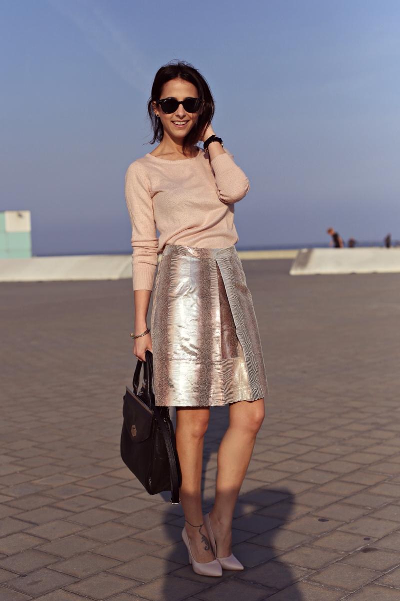 style-in-lima-falda-metálica-asos-rosa
