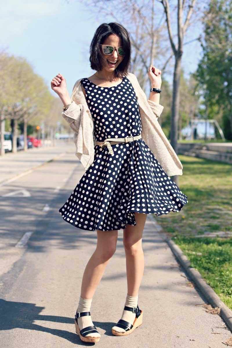 style-in-lima-vestido-azul-polka-lunares-blancos-kimod-jersey-mi-and-co