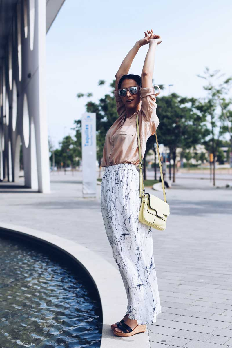 marble-print-maxi-skirt-twist-and-tango-style-in-lima