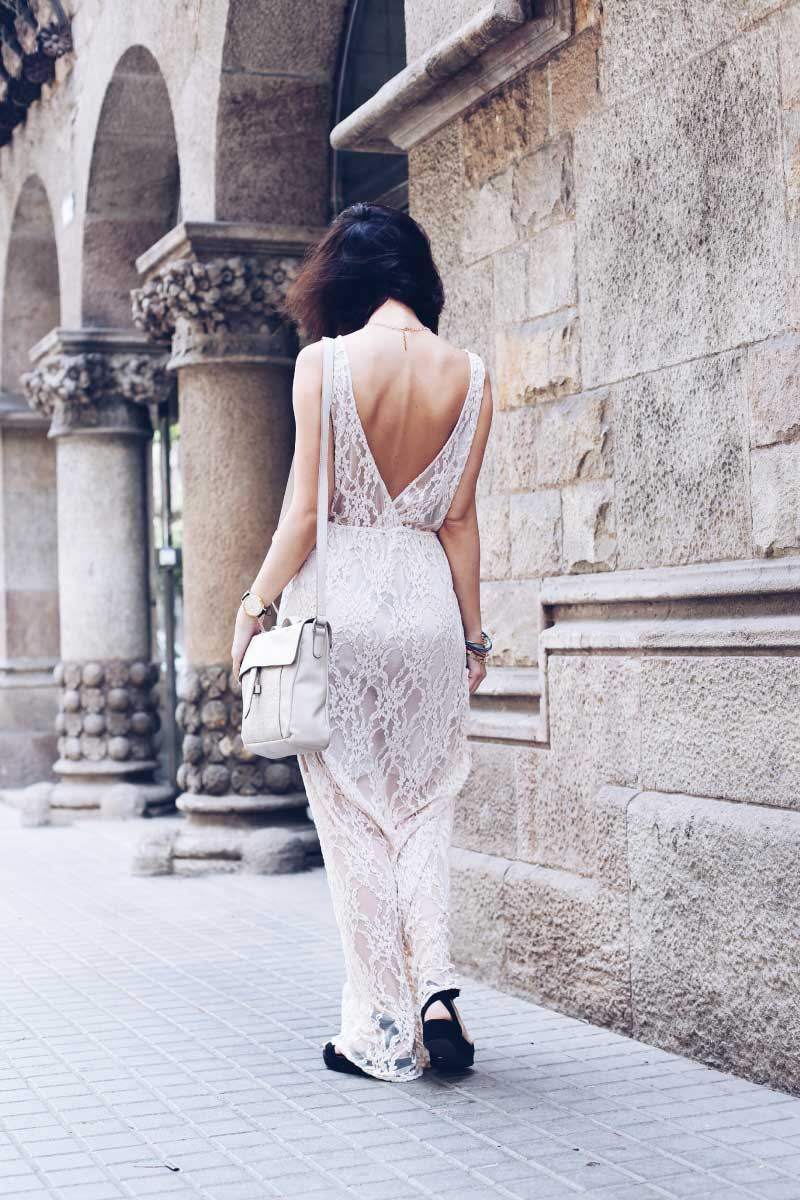 style-in-lima-inspiracion-looks-street-style-vestido-espalda-descubierta-open-back-dress-lace-encaje-nude-crudo-twist-and-tango-showrooom-marina-robles-barcelona