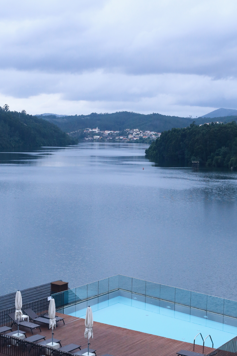 Eurostars_Rio_Douro_Hotel_And_Spa_Terraza_Piscina