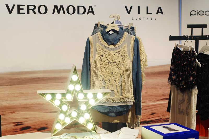 Fashion-&-Bloggers-Date-By-S-Moda-Madrid-Circulo-de-Bellas-Artes-de-Madrid-Vero-Moda