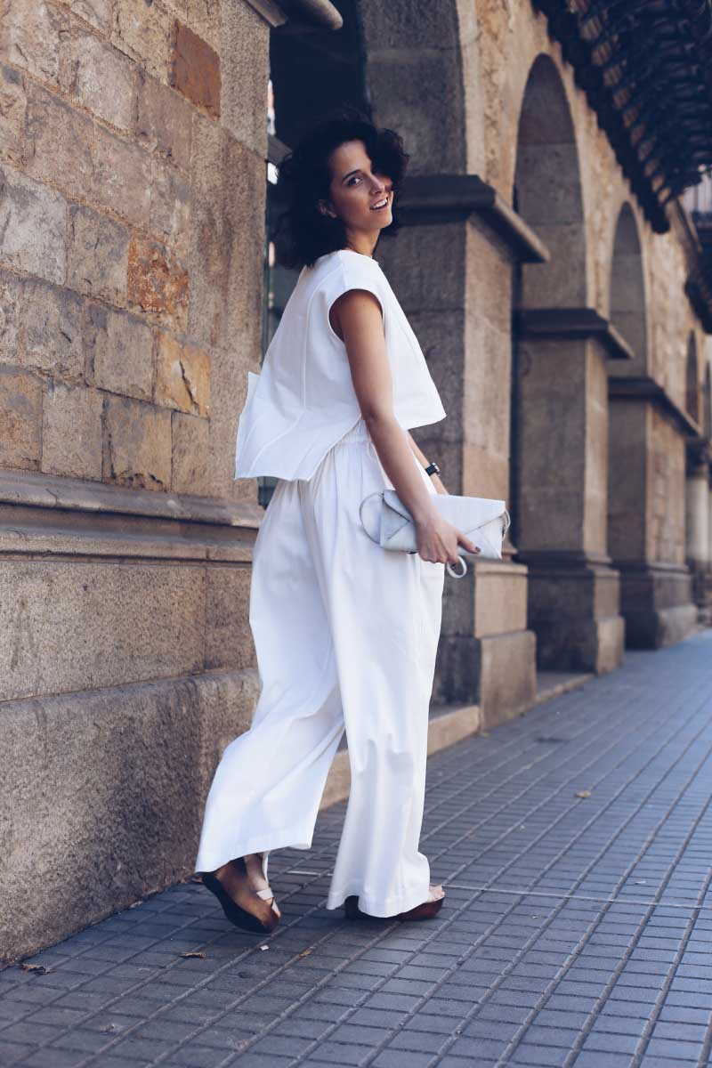 style-in-lima-blog-look-conjunto-blanco-ssic-and-paul-trendzo-barcelona-bolso-becksondergaard