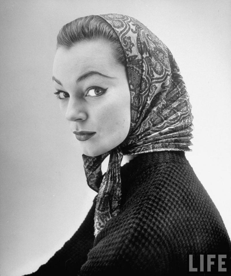 Givenchy,NatFarbman1952