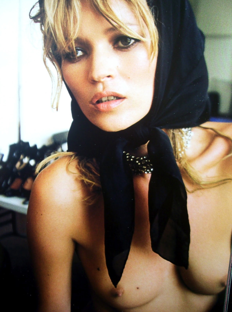 kate-moss-head-scarf