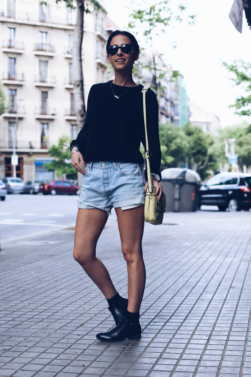 MAYO-style-in-lima-shorts-cintura-jean-levis-botines-tobillo