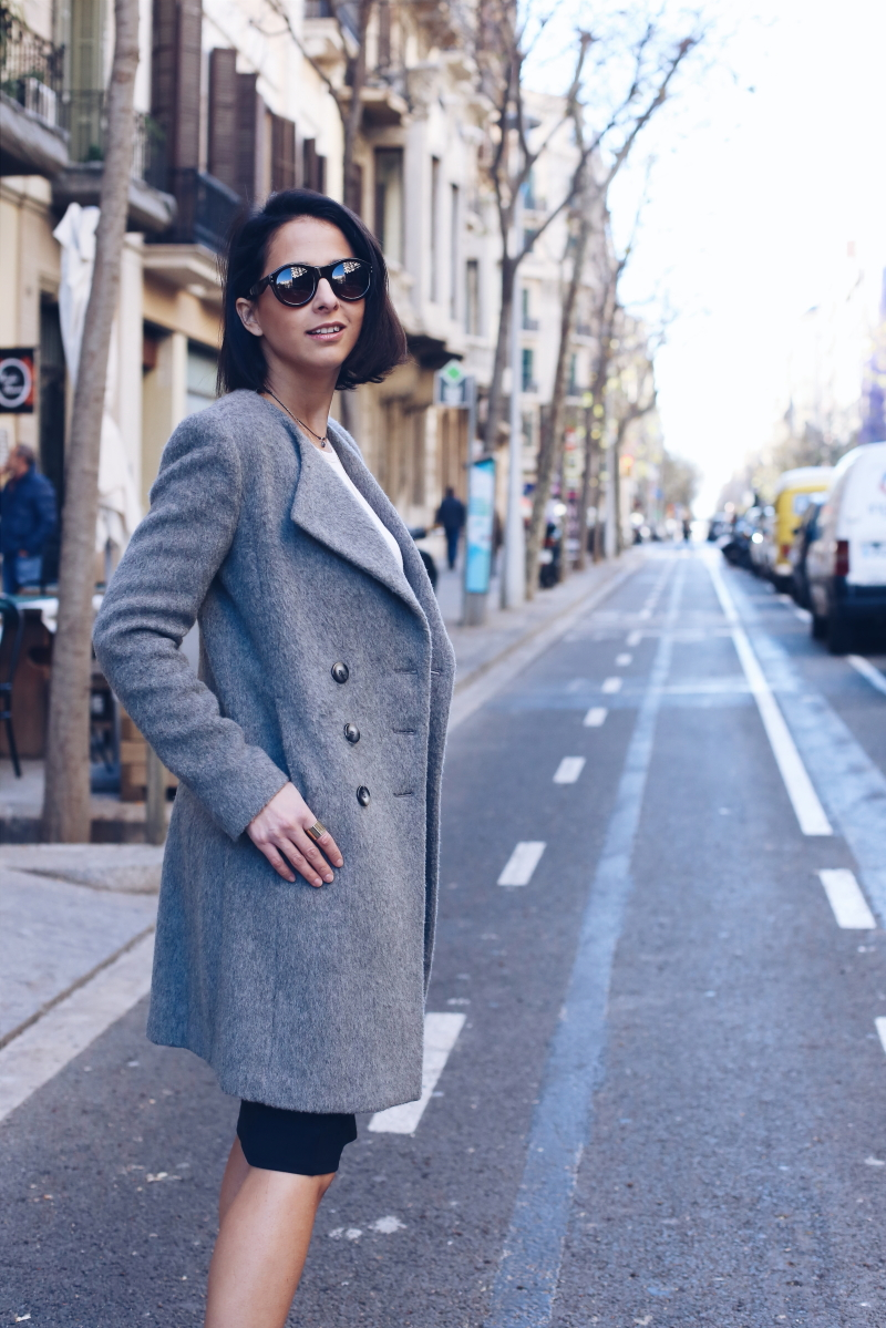 combinar-abrigo-gris