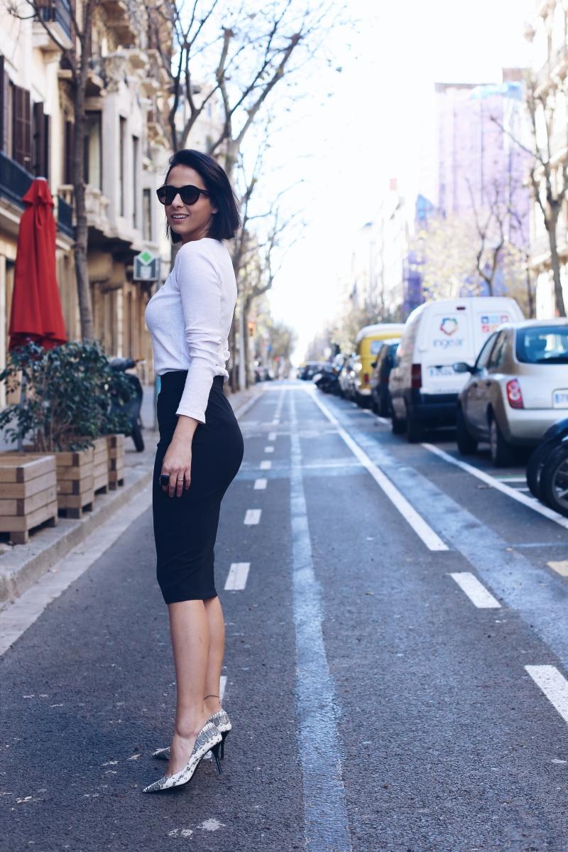 combinar-falda-lapiz-negra