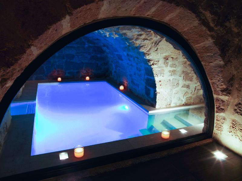 nuxe spa pool