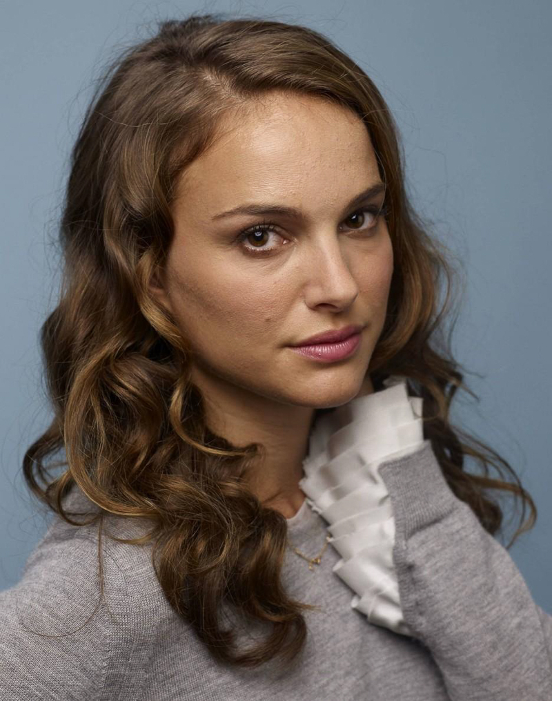 hairstyle-natalie-portman-long-hair