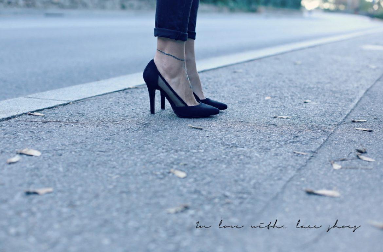 detail-court-shoes