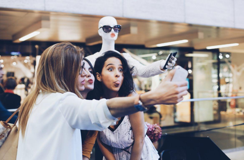 evento-bloggers-selfie-lilla-diagonal-maniquí