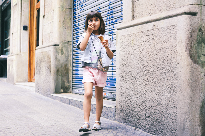 look-moda-niños-finger-in-the-nose-IMG_3613