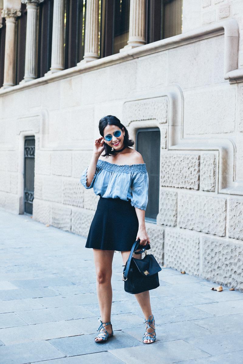 look-top-volantes-hombros-descubiertos-azul-verano-fashion-blogger-IMG_5647
