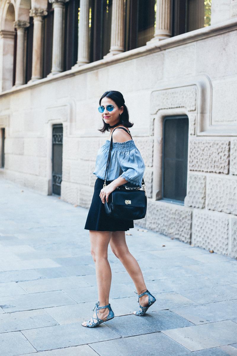 look-top-volantes-hombros-descubiertos-azul-verano-fashion-blogger-IMG_5656