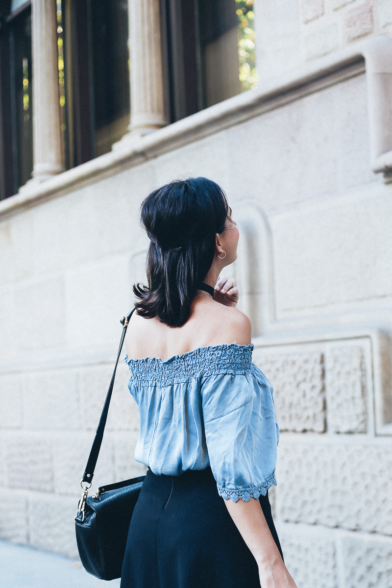 look-top-volantes-hombros-descubiertos-azul-verano-fashion-blogger-IMG_5702
