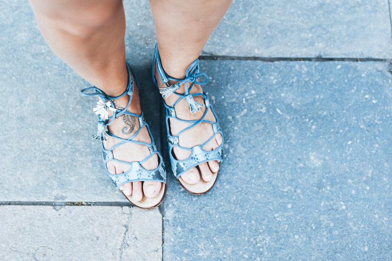 look-top-volantes-hombros-descubiertos-azul-verano-fashion-blogger-IMG_5731