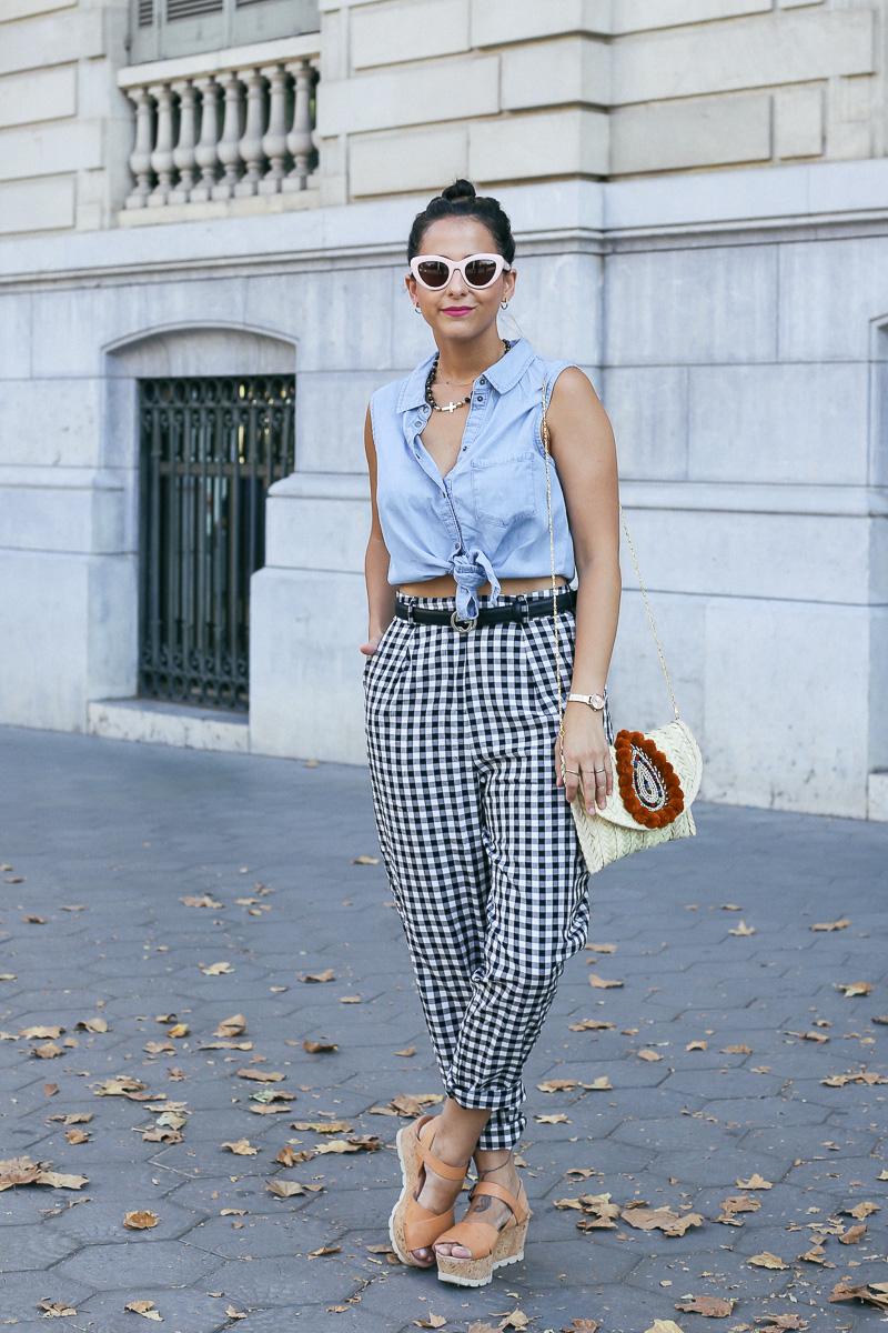 streetstyle-look-pantalon-cuadros-paperback-pinzas-asos-styleinlima-mila-plaza