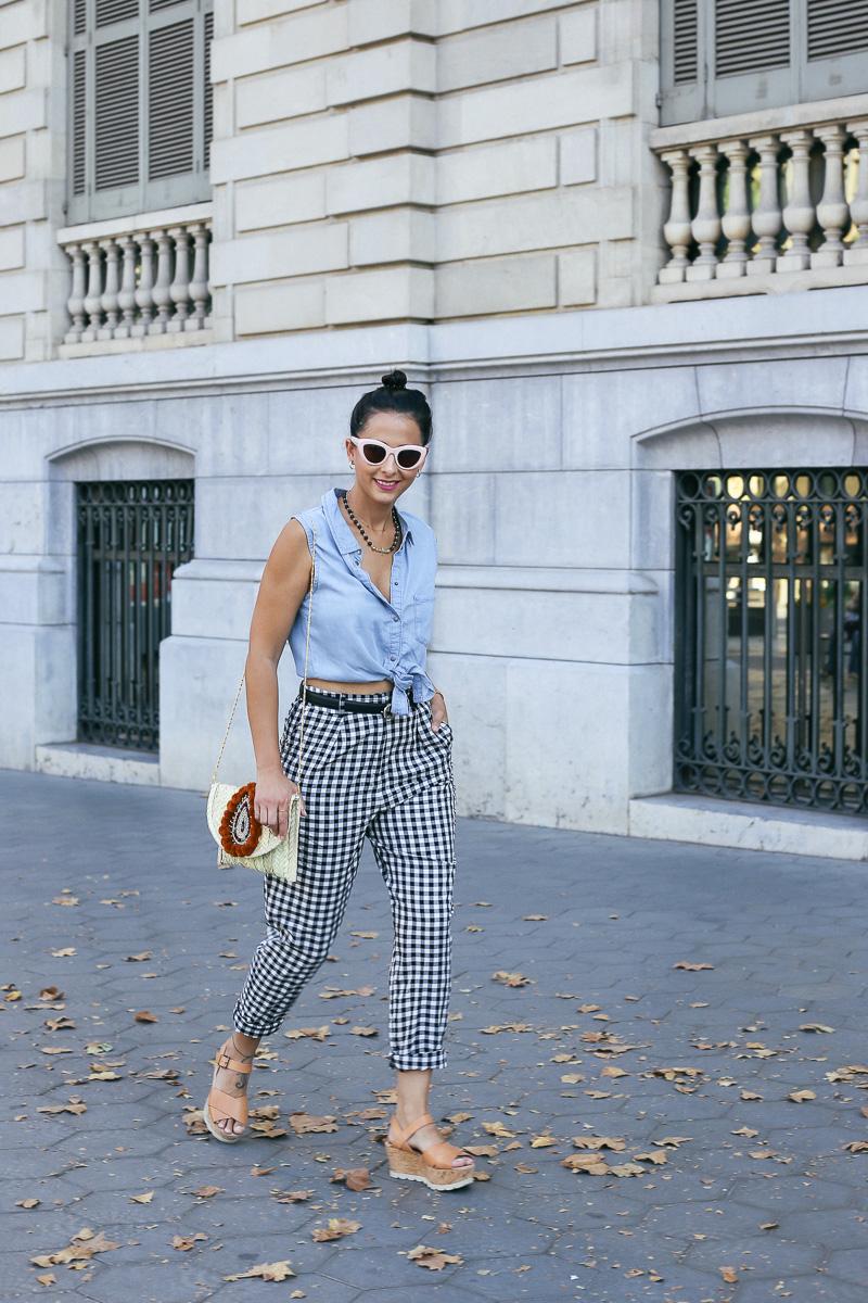 streetstyle-look-pantalon-cuadros-paperback-pinzas-asos-styleinlima-mila-plaza-img_6705