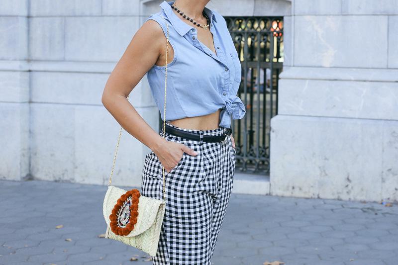 streetstyle-look-pantalon-cuadros-paperback-pinzas-asos-styleinlima-mila-plaza-img_6742
