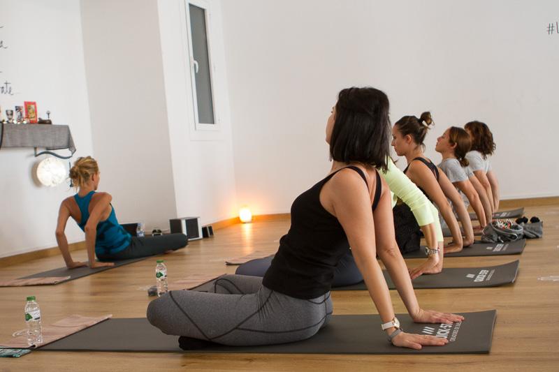clase-yoga-veronica-blume-barcelona-quick-step-la-shala-quick-step_yoga-12