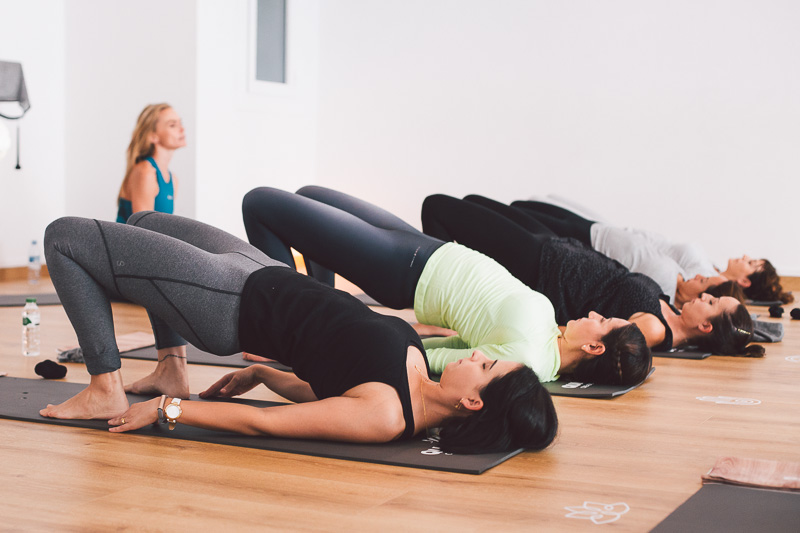 clase-yoga-veronica-blume-barcelona-quick-step-la-shala-quick-step_yoga-75