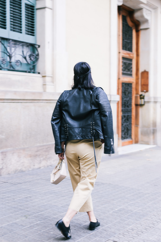 look-pantalon-beige-cintura-alta-IMG_9357