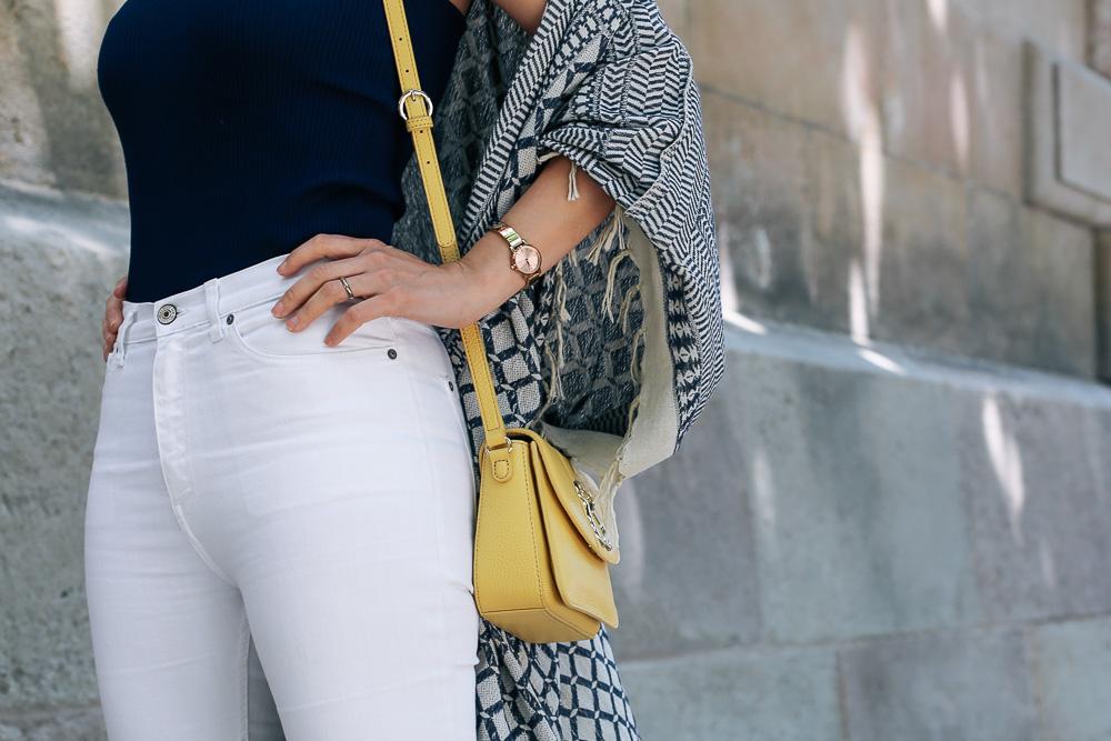 look-pantalon-blanco-kimono-becksondergaard-bolso-amarillo-streetstyle-barcelona-IMG_8196