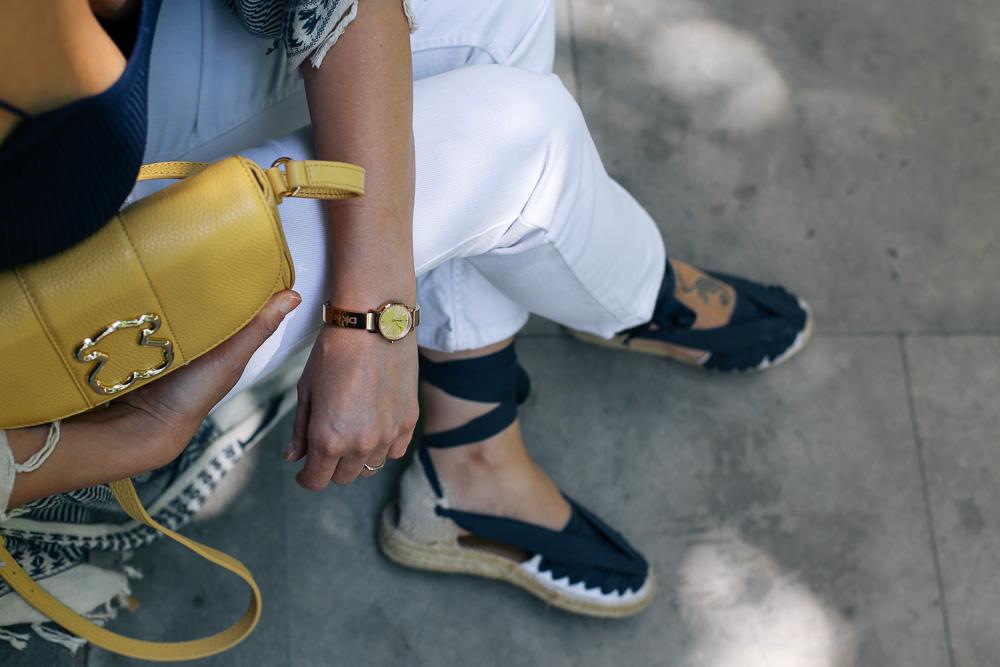 look-pantalon-blanco-kimono-becksondergaard-bolso-amarillo-streetstyle-barcelona-IMG_8246
