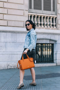 falda-piel-reciclada-ecologica-cinturon-camisa-blanca-barcelona-street-style-IMG_5124