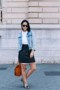 falda-piel-reciclada-ecologica-cinturon-camisa-blanca-barcelona-street-style-IMG_5143