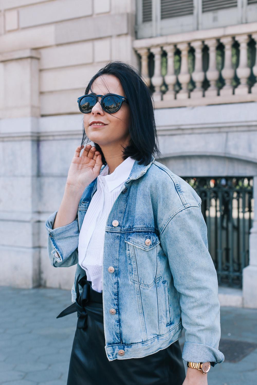 falda-piel-reciclada-ecologica-cinturon-camisa-blanca-barcelona-street-style-IMG_5172