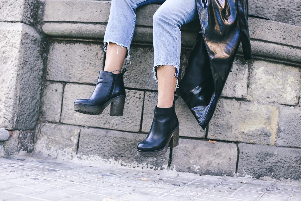 street-style-look-abrigo-de-charol-IMG_3829