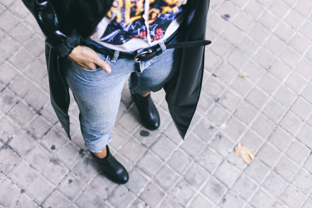 street-style-look-abrigo-de-charol-IMG_3841