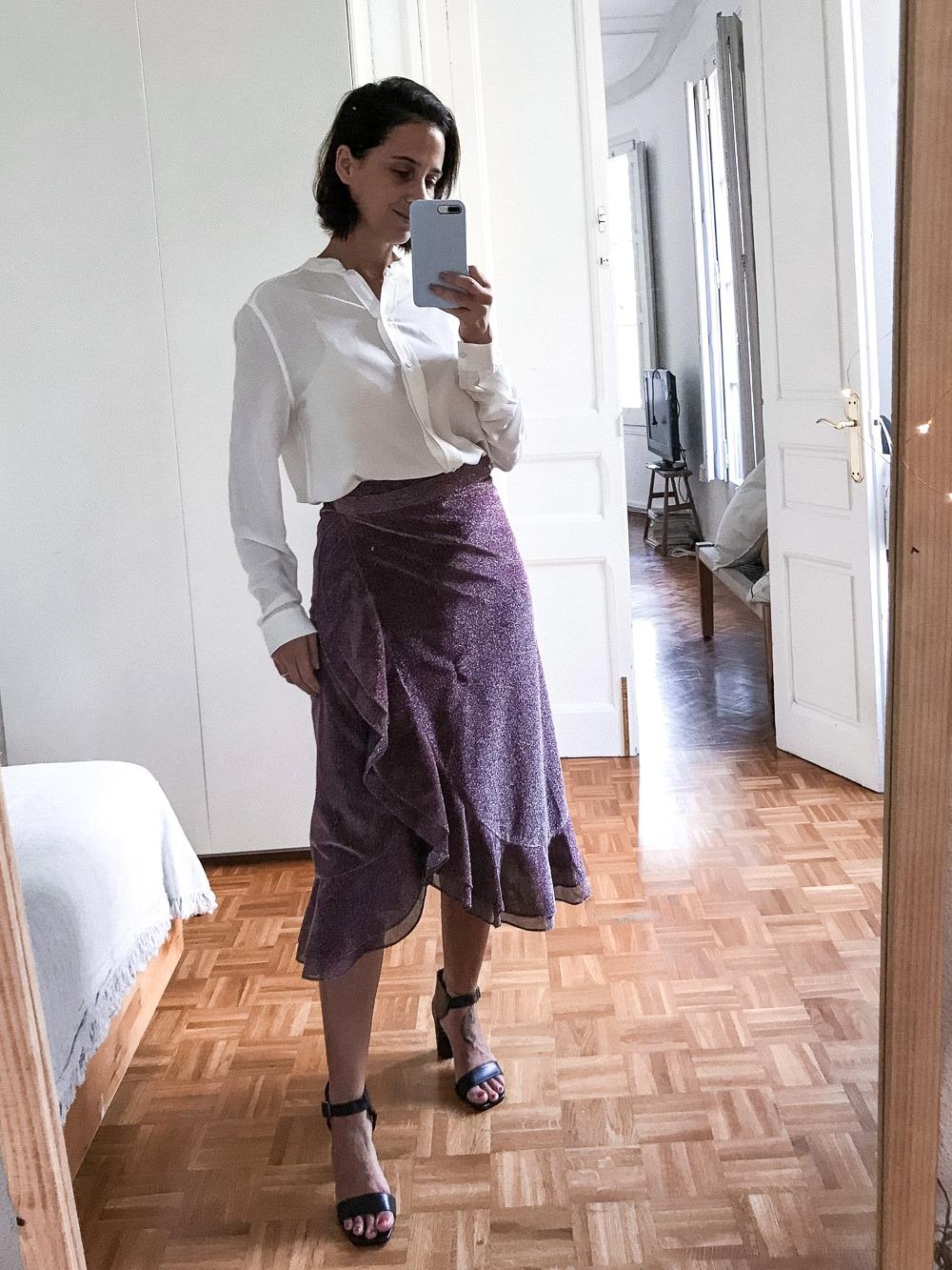 look falda midi cruzada para oficina