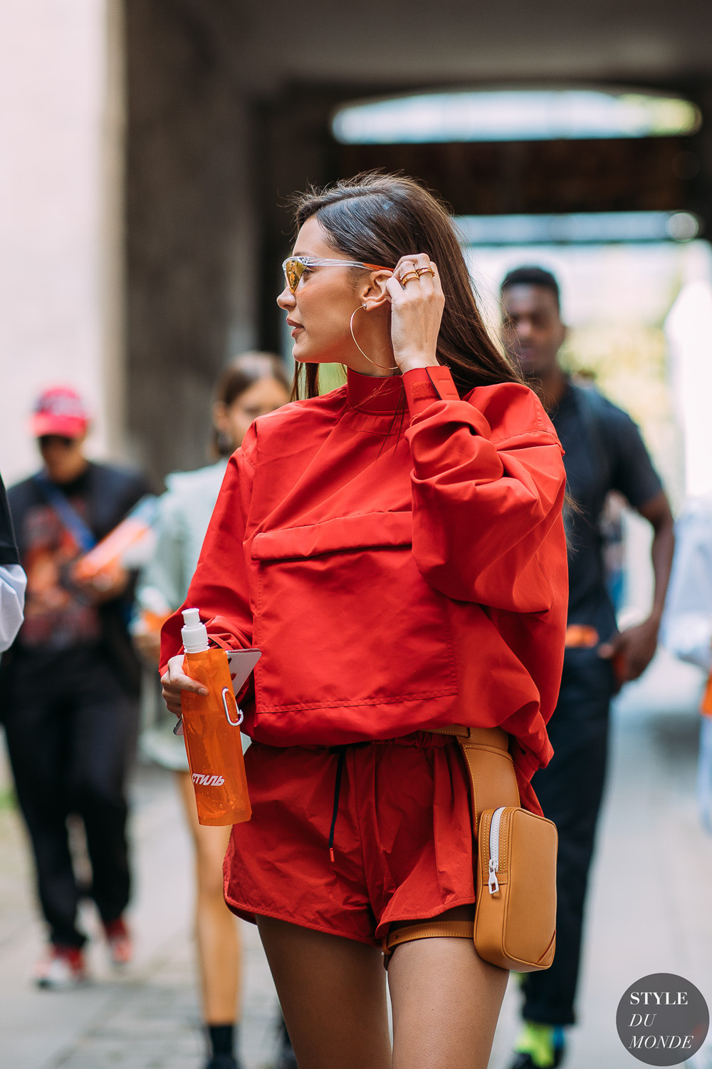 tendencia-athleisure-Bella-Hadid-by-STYLEDUMONDE-Street-Style-Fashion-Photography20180621_48A4344